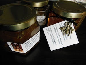 Blue Bird Gardens - Honey with Comb