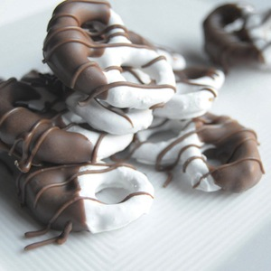 Sweetly Artisan - Chocolate Covered Pretzels
