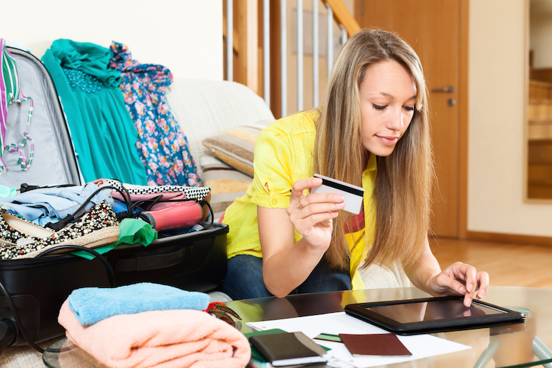 Credit card rewards: Better to use them or hold them?