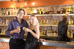 5 reasons you should use your credit card to pay your bar tab