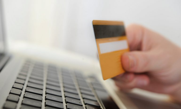Credit Card vs. Debit Card: Which is Safer Online?