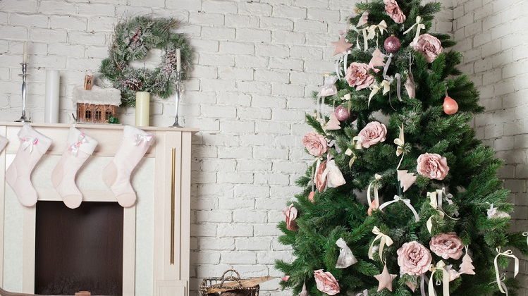 should you buy christmas decorations on black friday nerdwallet - Discount Christmas Decorations