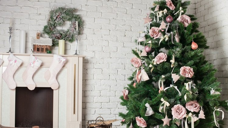 should you buy christmas decorations on black friday nerdwallet - Where To Buy Christmas Decorations