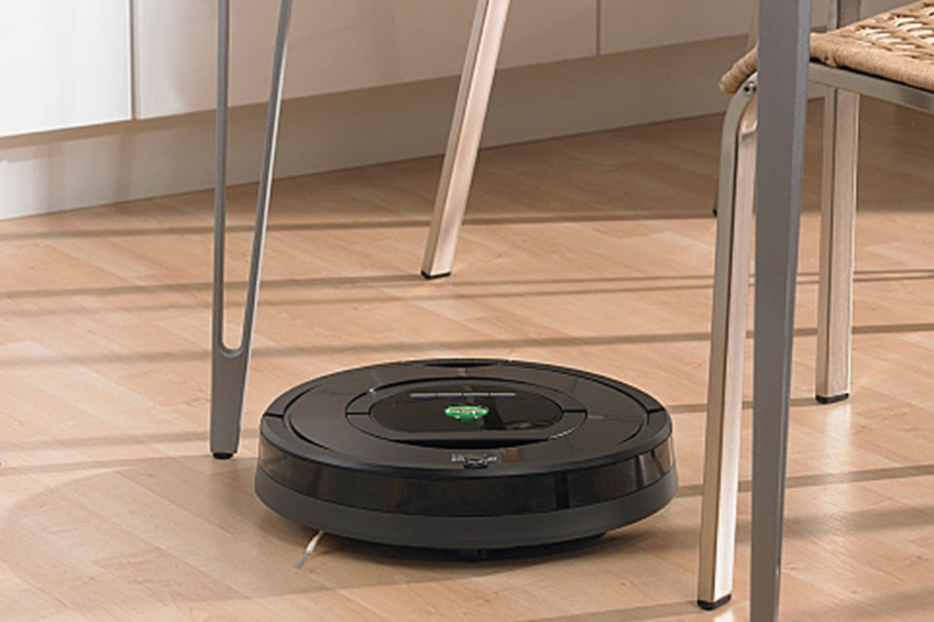 iRobot Roomba 770 Review: A Close Look at How the Robot Vacuum Cleans