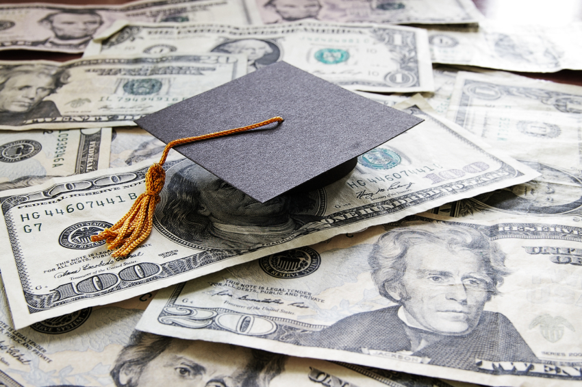 New Grads: Don't Make These 5 Money Mistakes