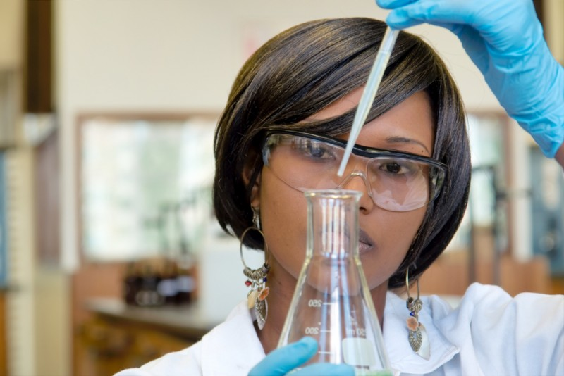 Top 5 Reasons to Apply to a Research University