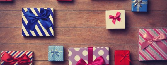 How to Negotiate the Best Price on Christmas Gifts