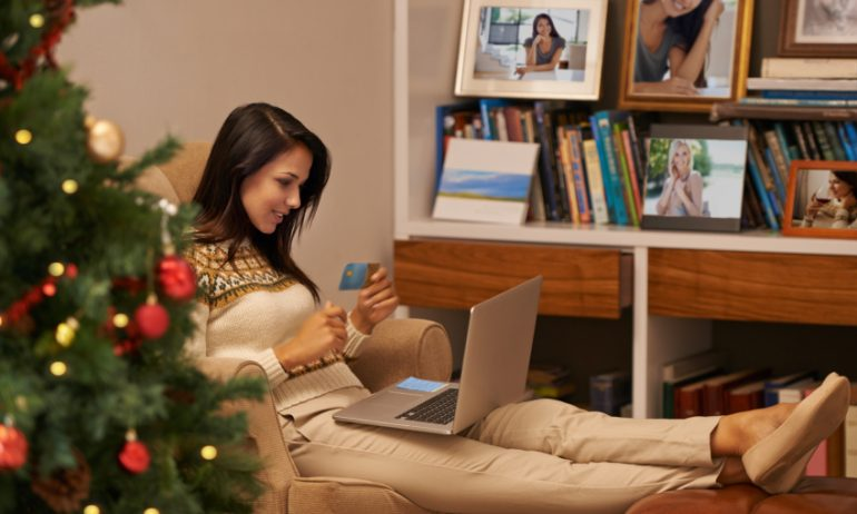 0% APR Credit Cards Can Make Holiday Shopping More Affordable