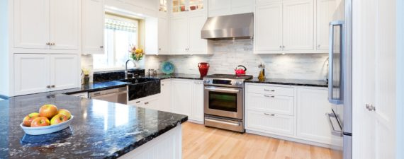A Minor Kitchen Remodel Can Yield Major Return On Investment Simple Home Remodeling Loan Style Remodelling