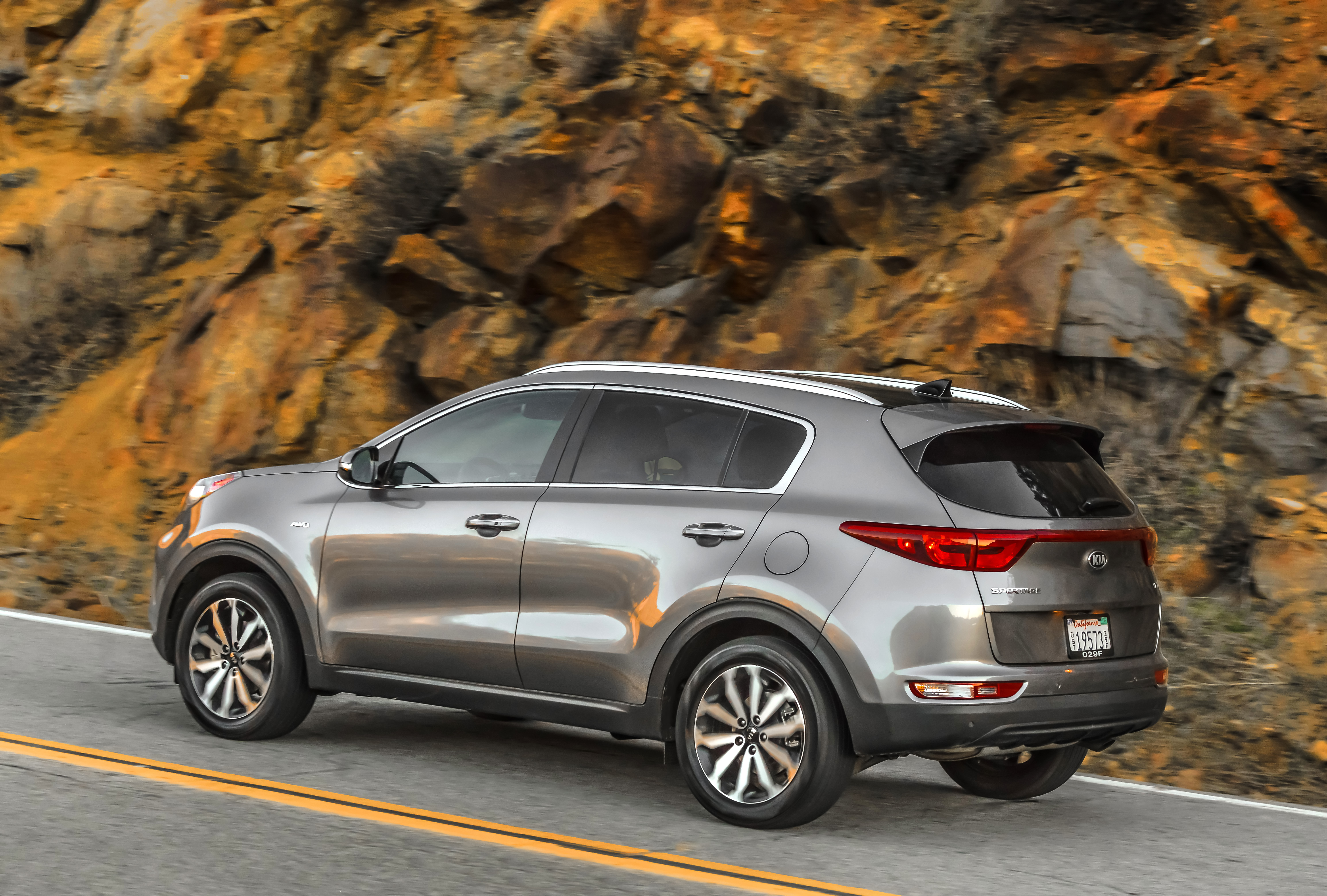 2017 kia sportage ex review new look for an old favorite nerdwallet. Black Bedroom Furniture Sets. Home Design Ideas