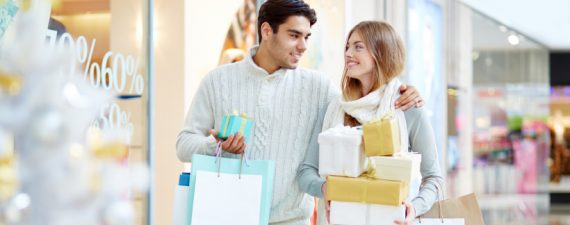 3 Expert Tips to Prepare You for the Holiday (Spending) Season