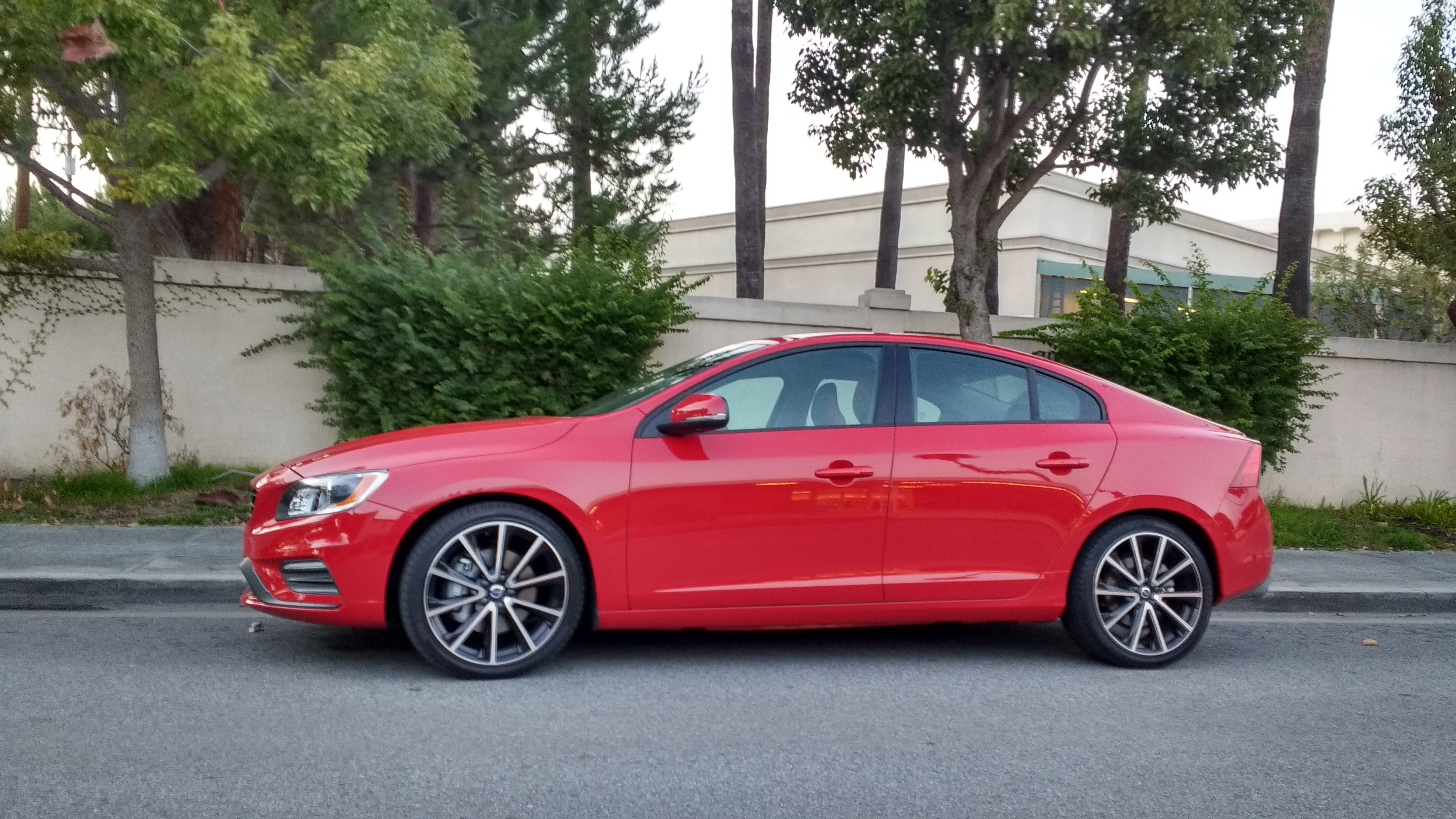 wheel safety price ratings new photos drive front photo features sedan reviews dynamic wheels volvo