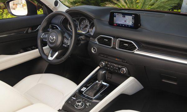 2017-Mazda-CX-5-Grand-Touring-int
