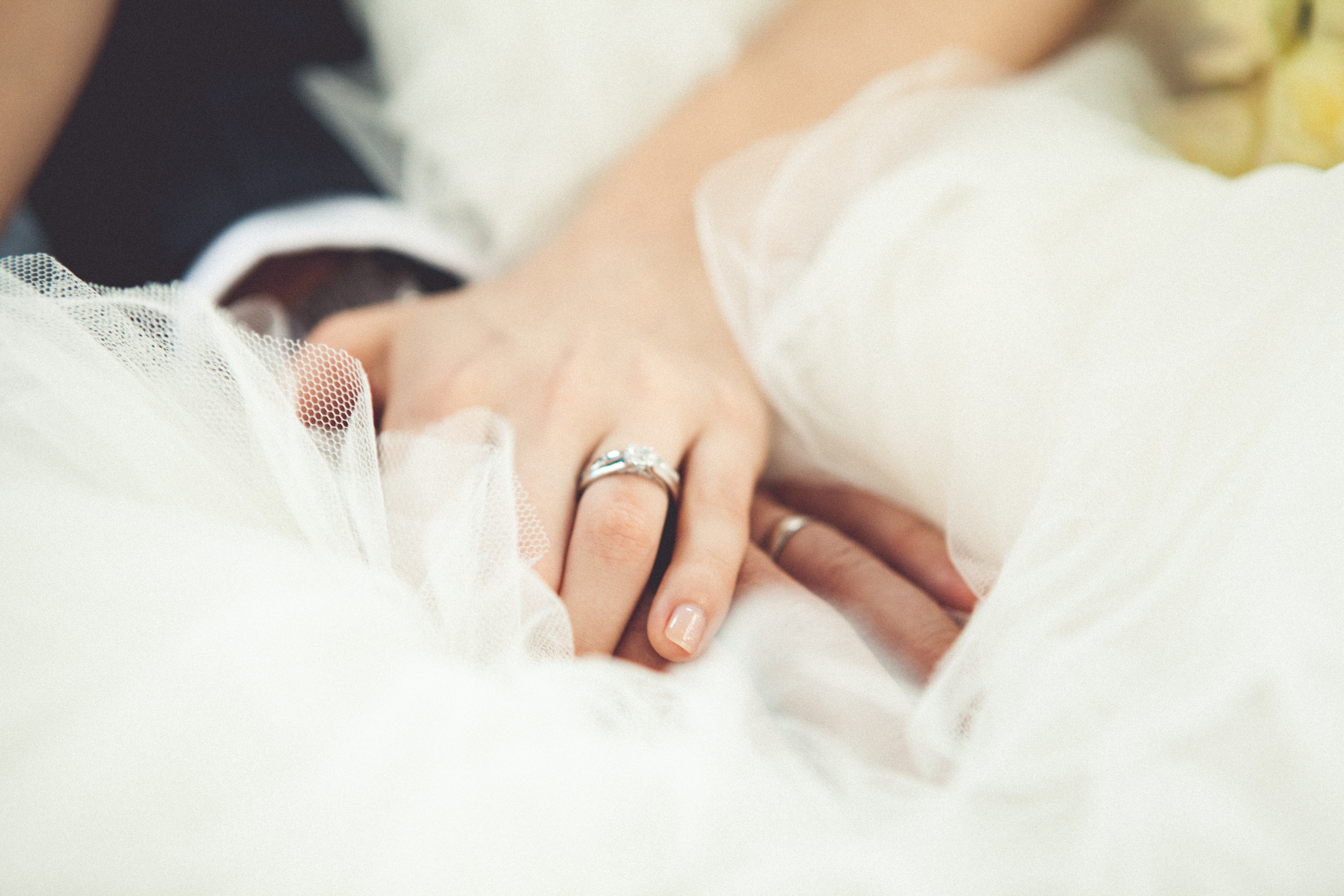 5 Ways To Save On An Engagement Ring Spending Us News