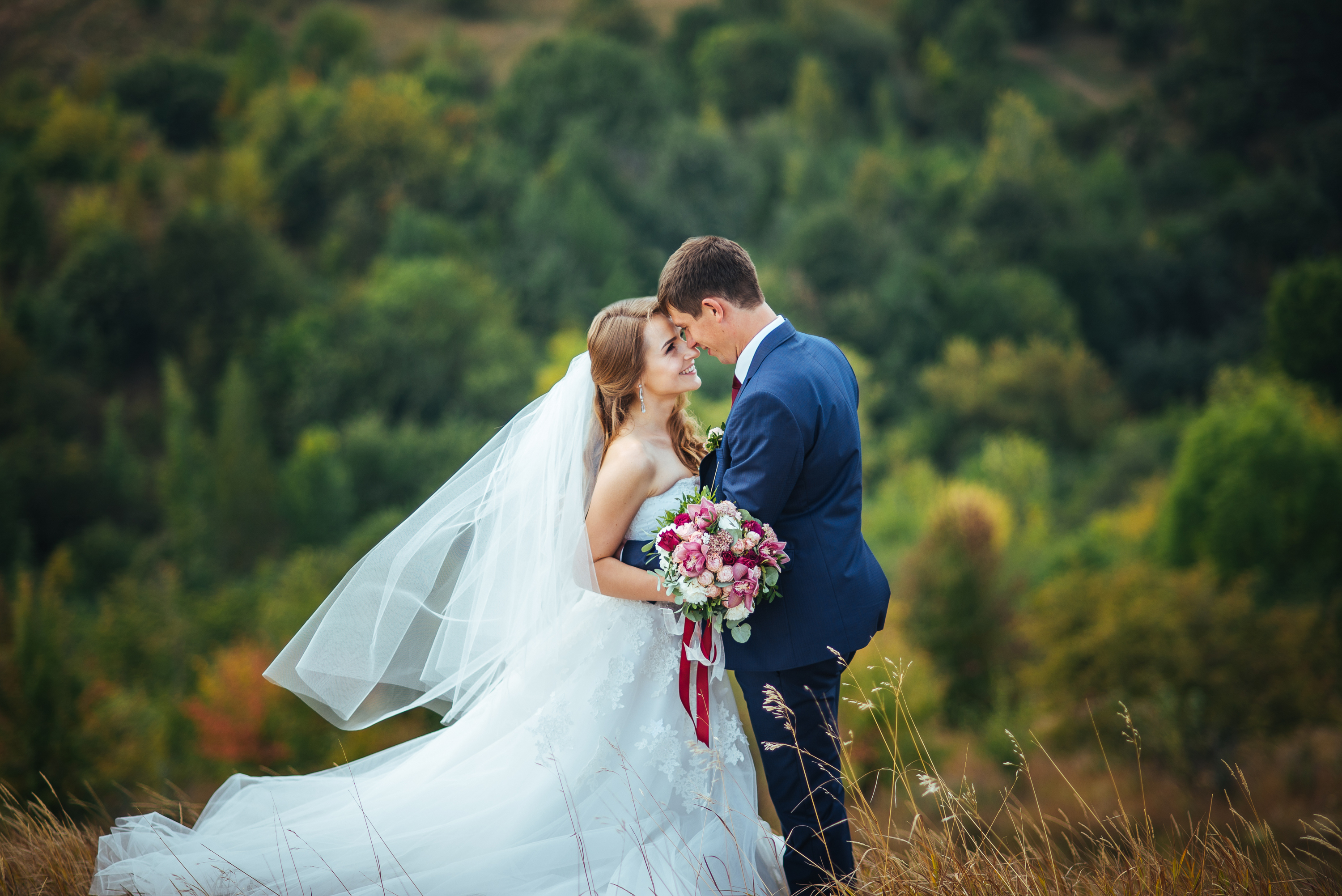 8 Secrets to an Affordable Destination Wedding - NerdWallet