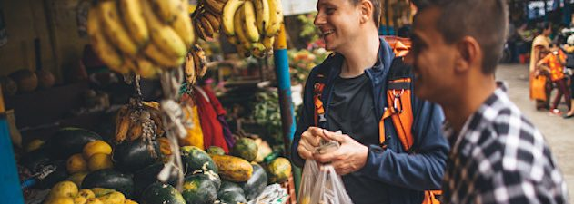 how-to-save-on-food-and-drink-costs-while-traveling