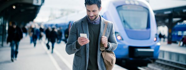 travel-like-a-minimalist-save-money