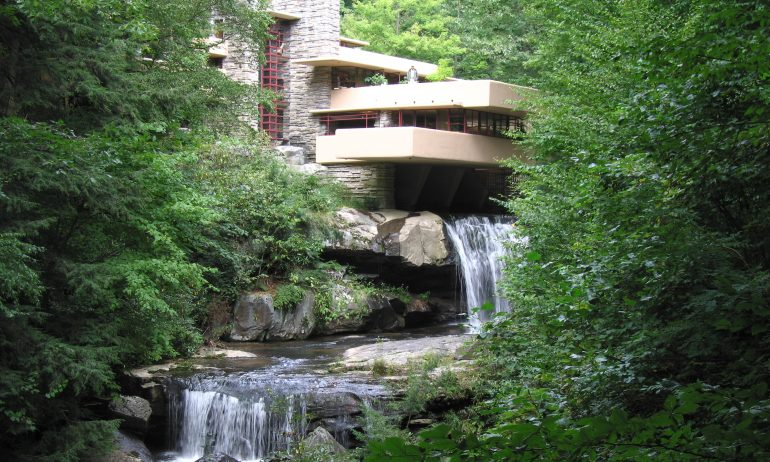 Fallingwater House - Frank Lloyd Wright (1937) © 2008 Pablo Sanchez, Flickr