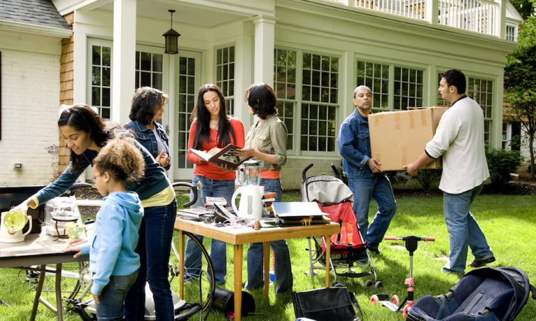 How to Make Your Summer Yard Sale Pay Off-2