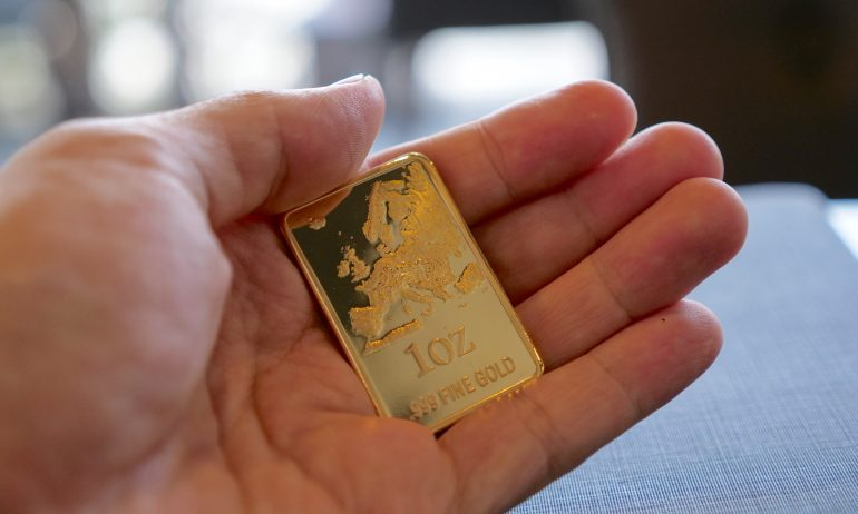 GettyImages-1056608520-Want to Buy Gold? Here's What You Should Know