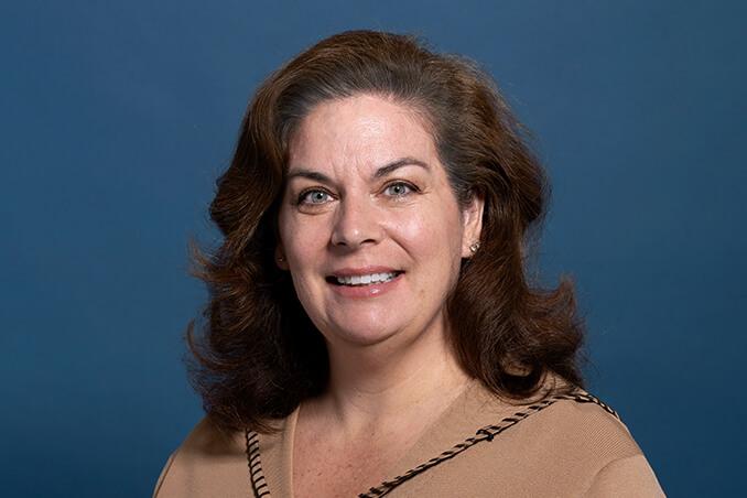 Tracy Mahnken