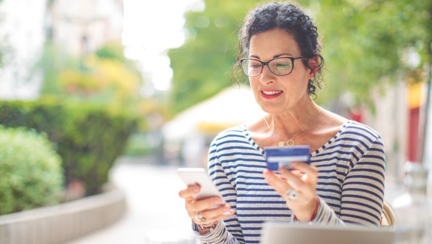 How do Credit Cards Work? What You Need to Know