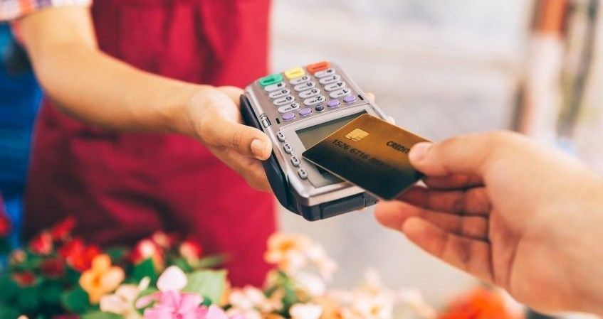 Difference between credit cards and charge cards